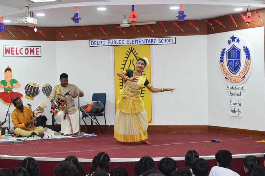 Mohiniattam Dance